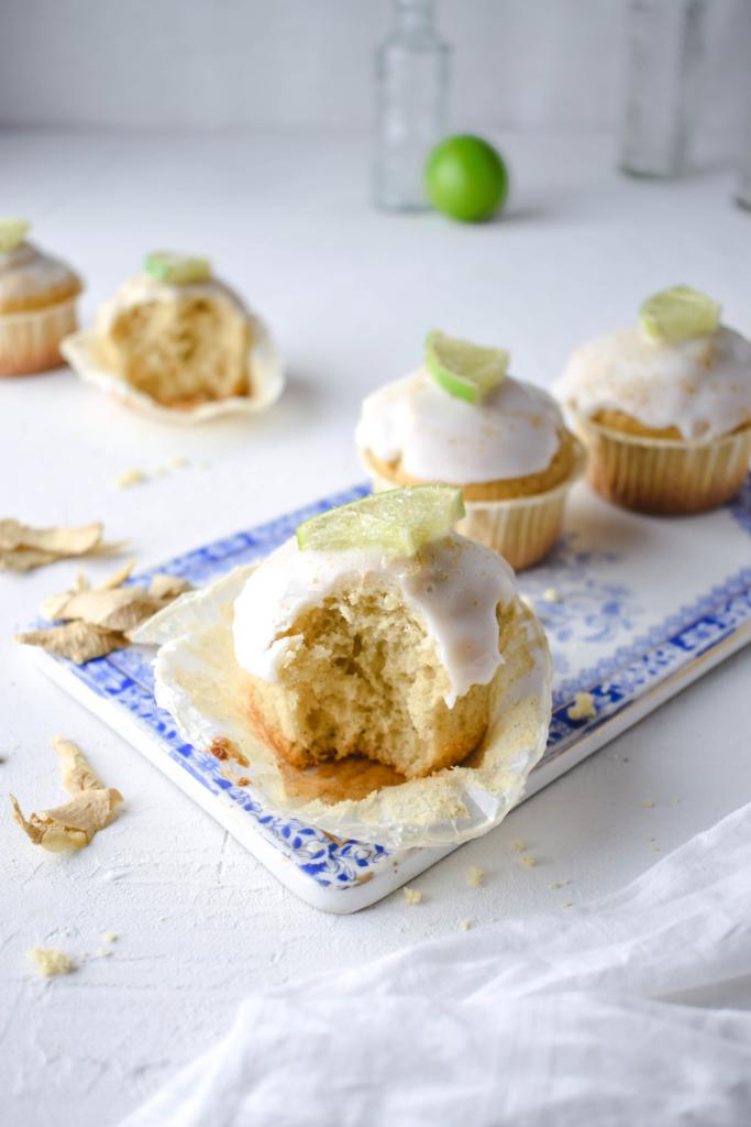 Rezept für lockere Muffins mit Ingwer und Limetten, dazu noch eine Prise Kardamom. Erfrischend und würzig. Mal ein ausgefallenes Rezept für Muffins.