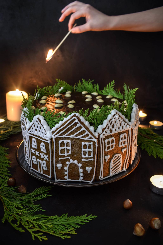Lebkuchen Kaffee Torte  Rezept für super saftige Lebkuchen Kaffee Torte mut Haselnussböden, Lebkuchengewürzen und Kaffee-Mascarpone Creme! Festliches Rezept für Weihnachts Torte!