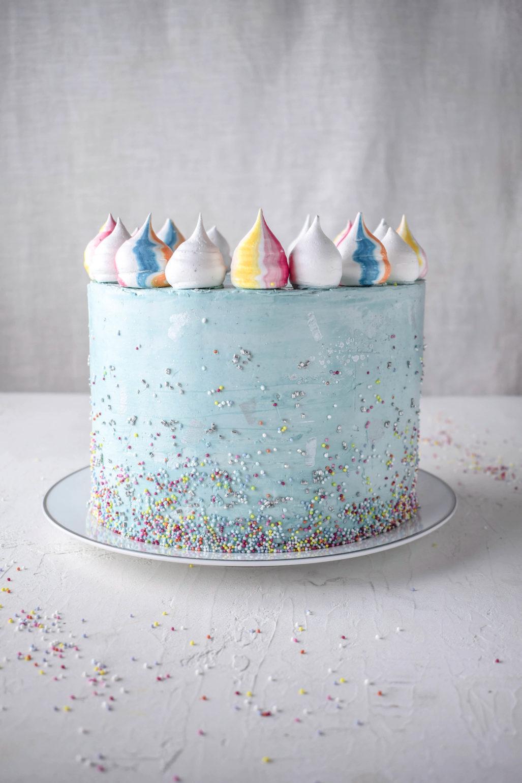 Bunte Marmorkuchen Geburtstagstorte Mit Streuseln